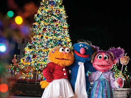deck the halls this holiday season at seaworld parks entertainment - Sesame Street Outdoor Christmas Decorations